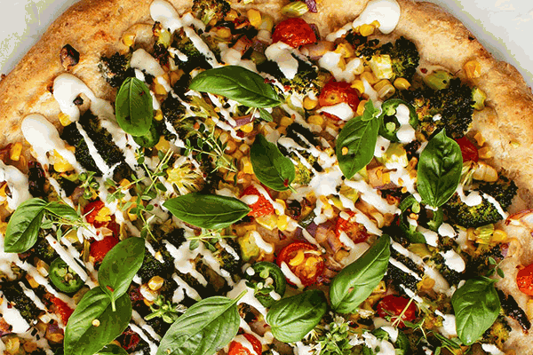 Pizza integral eco de bròcoli amb salsa d'anacards